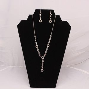 Cookie Lee Jewelry Set Plunging Aligned Silver